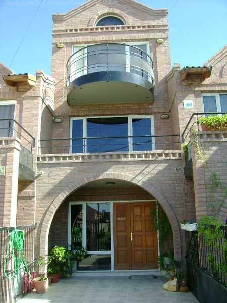 Immobilien Argentinien: Herrenhaus 200 Meter vom Ozean in Madryn, Argentinien