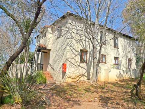 Immobilien Südafrika: Einfamilienhaus / Ferienhaus in bevorzugter Seelage in Naturschutzgebiet