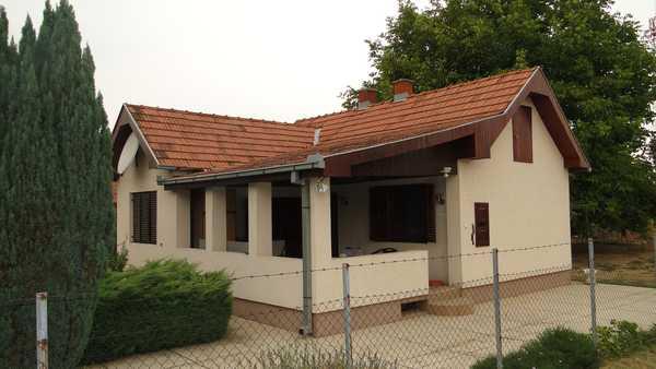 Immobilien Serbien und Montenegro: SCHNÄPPCHEN HAUS VOJVODINA