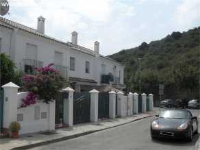 Immobilien Spanien  Guadiaro Haus kaufen hda-immo.eu: perfektes Stadthaus Nähe von Sotogrande, am Meer und Golfplätze