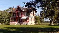 SAINT MARTIN DES LAIS: Reizvoller Landsitz 240 qm mit Gästehaus und komplett erschlossenen Park!